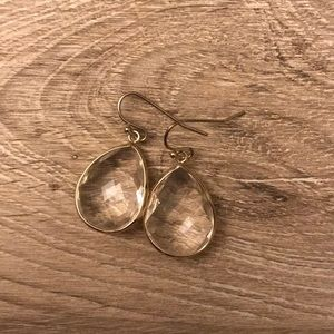 Teardrop clear earrings